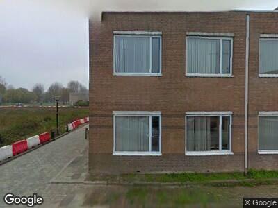 Ambulance met gepaste spoed naar Overkampweg in Dordrecht