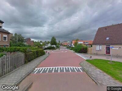 Brandweer met grote spoed naar Bosweg in Strijen vanwege reanimatie