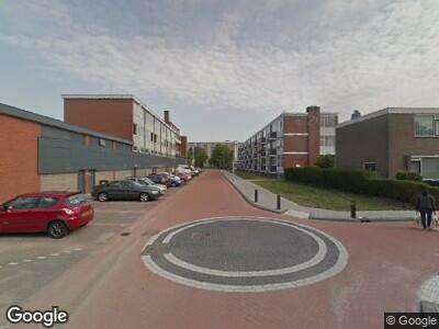 Ambulance met gepaste spoed naar Anjerstraat in Spijkenisse