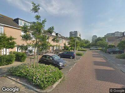 Ambulance met grote spoed naar Marga Klompélaan in Amstelveen