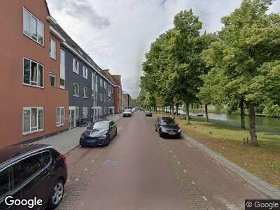 Ambulance met grote spoed naar Trekweg in 's-Gravenhage