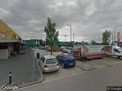 Ambulance naar Dr. C.J.K. van Aalstweg in Hoorn vanwege verkeersongeval