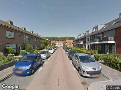 Ambulance met grote spoed naar Nassaustraat in Arkel