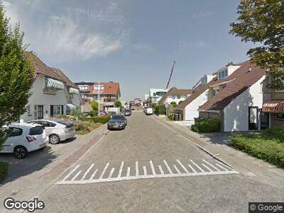 Ambulance met grote spoed naar Burgemeester van Niekerklaan in Hillegom