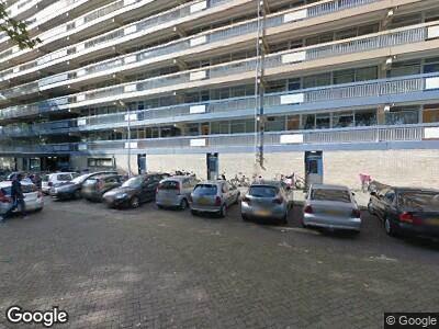 Ambulance met grote spoed naar Debussystraat in Delft