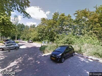 Ambulance met grote spoed naar Persijnlaan in Delft