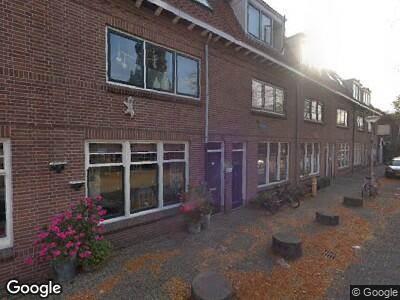 Ambulance met grote spoed naar Pootstraat in Delft
