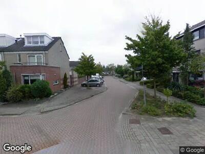 Ambulance met grote spoed naar Cantatelaan in Barendrecht