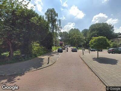 Ambulance met grote spoed naar Populierenlaan in Amstelveen