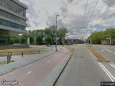 Ambulance met grote spoed naar Middachtensingel in Arnhem