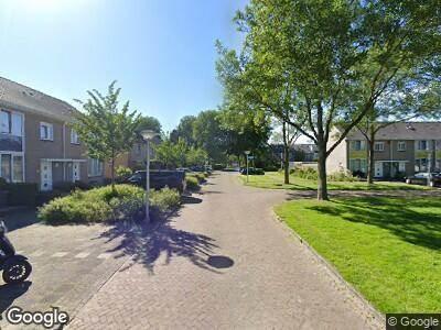 Brandweer met grote spoed naar Oberonstraat in Amstelveen vanwege waarnemen gaslucht