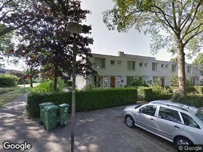 Ambulance met grote spoed naar Nicolaas Beetslaan in Delft