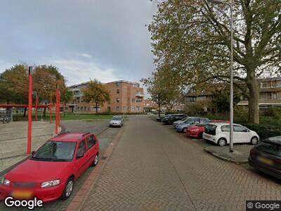 Ambulance met grote spoed naar Wederikstraat in Alphen aan den Rijn