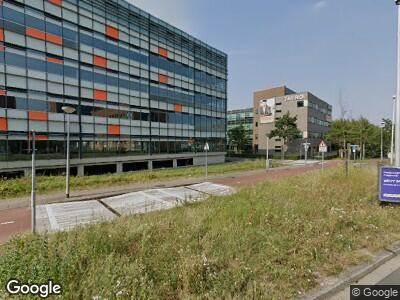 Ambulance met grote spoed naar Laan van Oversteen in Rijswijk