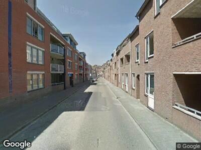 Ambulance met gepaste spoed naar Schoolstraat in Roermond