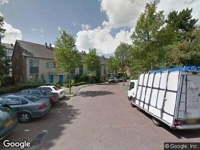 Ambulance met grote spoed naar Snouck Hurgronjestraat in Rijswijk