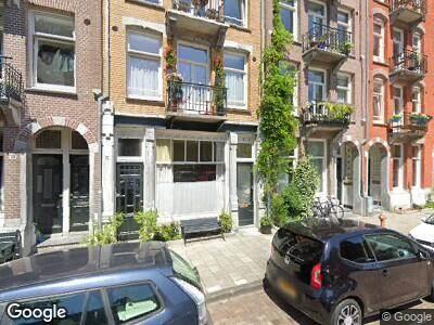 Ambulance met gepaste spoed naar Domselaerstraat in Amsterdam