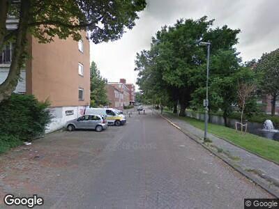 Ambulance met grote spoed naar Hoekersingel in Rotterdam