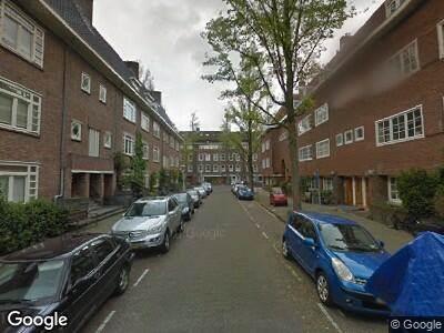 Brandweer met grote spoed naar Leonardostraat in Amsterdam vanwege reanimatie