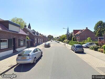 Ambulance met grote spoed naar Maasstraat in Steyl