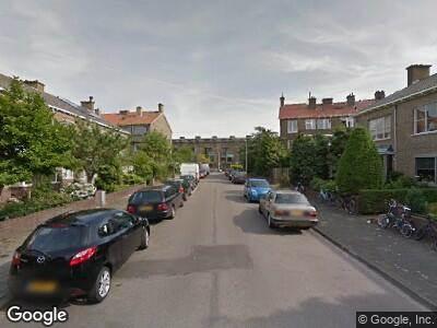 Ambulance met gepaste spoed naar Akkerwindestraat in 's-Gravenhage