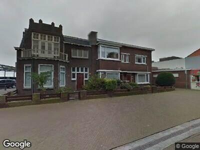 Ambulance met grote spoed naar Arnold Spoelstraat in 's-Gravenhage