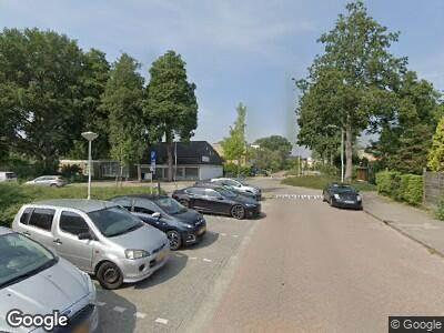 Ambulance met grote spoed naar Fivelingo in Zoetermeer
