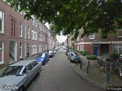 Ambulance met grote spoed naar Elsstraat in 's-Gravenhage