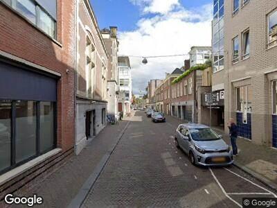 Ambulance met grote spoed naar Hoge Nieuwstraat in 's-Gravenhage