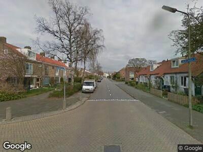 Ambulance met grote spoed naar Van der Leeklaan in Amstelveen