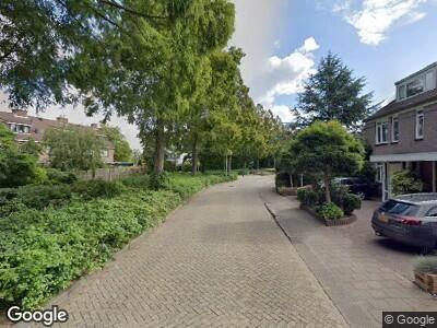 Ambulance met grote spoed naar Bloemenschans in Voorhout