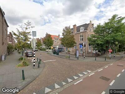 Ambulance met grote spoed naar Schenkkade in 's-Gravenhage