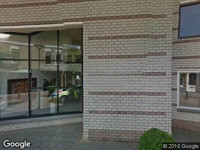 Ambulance met grote spoed naar Dorpsstraat in Amstelveen