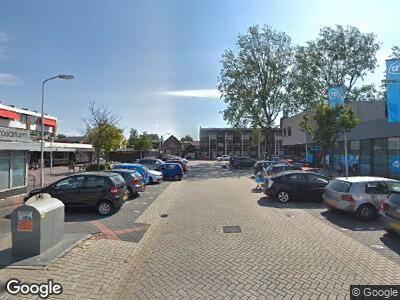 Ambulance met grote spoed naar Rosariumplein in Krommenie