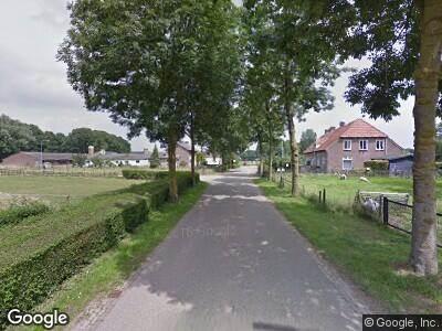 Ambulance met gepaste spoed naar Dorpsstraat in Niftrik
