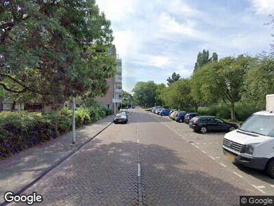 Ambulance met gepaste spoed naar Beethovenlaan in Leiden