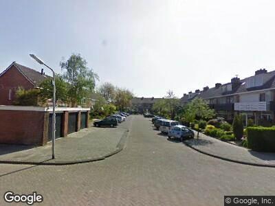 Ambulance met grote spoed naar Brederostraat in Alblasserdam