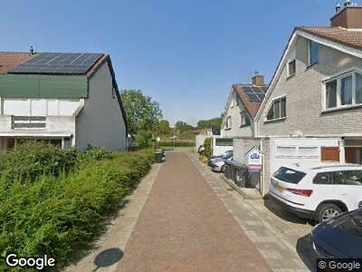 Brandweer met gepaste spoed naar Karveel 39 in Lelystad vanwege brand