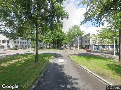 Brandweer met grote spoed naar Laan van Vlaanderen in Amsterdam vanwege brand