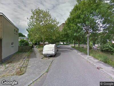 Ambulance met grote spoed naar Louis Couperuslaan in Delft