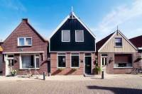 Woning W J Tuijnstraat 24 Volendam
