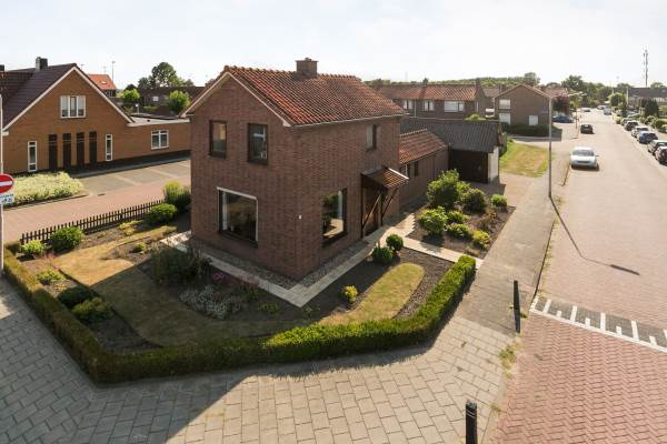 Woning Julianastraat 25 Numansdorp