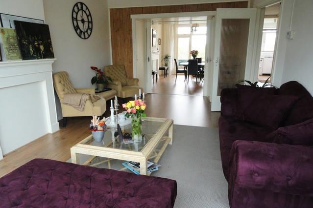 Bright Apartment in Blijdorp area