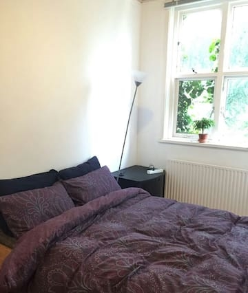 Convenient 150sqm 2br apartment with cozy garden