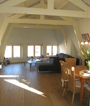 Spacious apartment central Haarlem