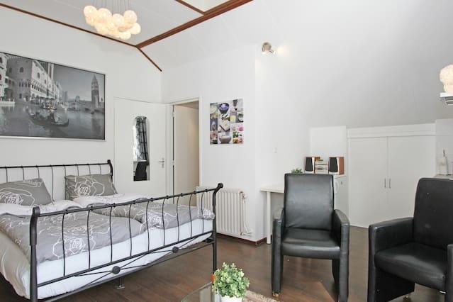 Studio with Balcony near Amsterdam