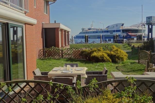 Luxe appartement aan zee met terras