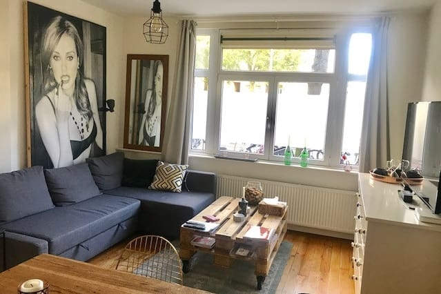 Centrally located modern appartement with garden