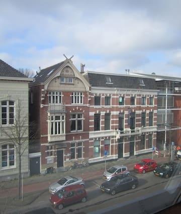 WHS Cozy Loft in Historic Haarlem Center