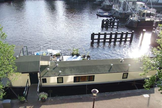 Postcode 1018xd sarphatistrook amsterdam for Airbnb amsterdam houseboat